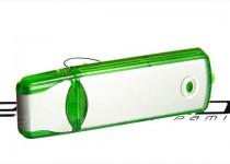 zielony pendrive z zatyczka aluminiowo-plastikowy